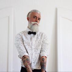 @Alessandro_manfredini. Otro ejemplo de que el pelo blanco y barba no solo le lucen a San Nicolás. | 18 Hombres barbudos que facilitan que te enamores en noviembre