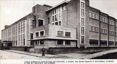 Antwerpen - tentoonstellingswijk,  Het Schoolgebouw naar ontwerp van Van Averbeke in de Pestalozzeistraat.