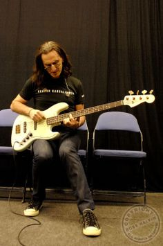 ged in tune Bass Guitar Notes, Bass Guitar Lessons, Great Bands, Cool Bands, Rush Concert, Rush Band, Geddy Lee, Neil Peart, Greatest Rock Bands
