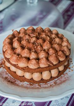 Tort de ciocolata Lucky Cake, Something Sweet, Chocolate Cake, Hamburger, Almond, Keto, Cookies, Desserts, Food