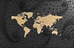Mondo oro, 2013.Ricardo Gusmaroli  Barche di carta su tela e foglia oro, cm 100 x 150.