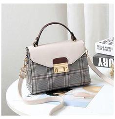 Popular Handbags, Trendy Handbags, Cute Handbags, Fashion Handbags, Purses And Handbags, Fashion Bags, Cheap Handbags, Handbags Online, Wholesale Handbags