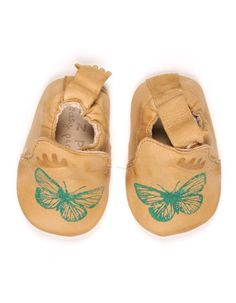 Camel baby shoes with green butterflies  - Easy Peasy