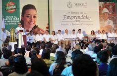 En esta administración estatal impulsamos el crecimiento para generar más progreso y prosperidad, afirmó el gobernador Javier Duarte de Ochoa al inaugurar la Semana del Emprendedor 2013.