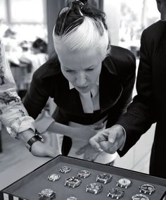 Daphne Guinness - Style Icon - Roger Dubuis, Making of the photoshooting with Daphne Guinness by Nick Knight