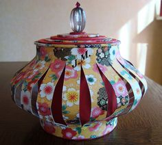 ... Chinese Lanterns, Cardboard Crafts, Stampin Up, Diy Light, Vases, Competition, Couture, Crochet, Cartonnage