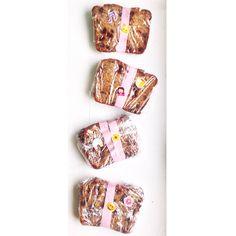 Chocolate chip peanut butter banana bread on @darciebakes. #darciebakes #bananabread #emojistickers