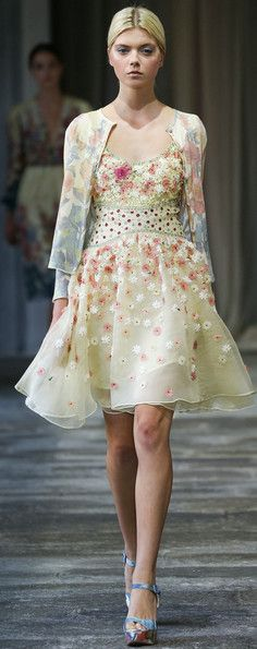 Embroidered 3D 35 inspiring images of one of the main trends for 2015 2016 / Fashion party Part 1