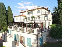 'Relais dei Magi' in Umbria is an inviting chic Italy wedding venues. Stylishly finished, it has all the comforts for you and your guests to enjoy, including; large gardens, panoramic views and a wonderful pool to relax in with your friends and family