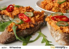 Pikantní škvarková pomazánka recept - TopRecepty.cz Dressing, Russian Recipes, Salmon Burgers, Baked Potato, Potatoes, Baking, Ethnic Recipes, Food, Polish