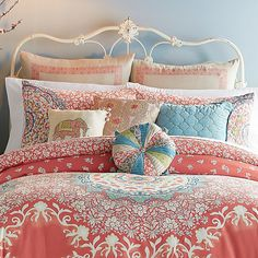 Transform your bedroom into an exotic garden with the lively Jessica Simpson Amrita Medallion European Pillow Sham. Adorned with an vibrant coral paisley vine pattern, the faux linen pillow sham is the perfect finishing touch to the vibrant bedding. Bedroom Comforter Sets, King Comforter, Pillow Shams, Queen Bedding, Pillow Cases, Jessica Simpson Bedding, Main Image, European Pillows, Home Decor
