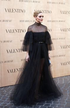 Olivia Palermo wearing Valentino tulle gown at Valentino Haute Couture Fall 2015 fashion show (July 2015). #oliviapalermo