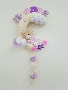 Sewing Projects, Craft Projects, Projects To Try, Baby Door Hangers, Nursery Bunting, Baby Deco, Felt Banner, Baby Mobile, Felt Embroidery