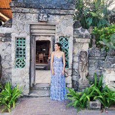 Friday daydreaming... This time imagining I'm in #Bali looking like the gorgeous @sopheesmiles wearing our hand printed Lily and Lionel Celeste Dress. True holiday glamour! Travel stories and travel style at Supernomad. Link in bio.  #travelgram #travelmore  #travelblog #travelinspiration #picoftheday #passionpassport #travelgram #travelstories #travelblogger #travel style #photooftheday #wanderlust #paradise #beachstyle #holidayfashion #luxury #visitbali #beachfashion #maxidress…