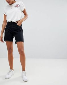 Shop Vero Moda long denim shorts in blue. With a variety of delivery, payment and return options available, shopping with ASOS is easy and secure. Shop with ASOS today. Bermuda Shorts Outfit, Denim Shorts Outfit, Modest Shorts, Summer Shorts, Nike Shorts, Jean Shorts, Casual Shorts, Latest Fashion Clothes, Fashion Outfits
