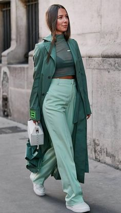 37 Classy And Elegant Summer Outfits – Page 4 of 4 37 Noble und elegante Sommeroutfits – Seite 4 von 4 – Stylish Bunny Look Street Style, Street Style 2018, Street Styles, Street Style Women, Fashion Show Street Style, Fashion 2020, Look Fashion, Parisian Fashion, 2020 Fashion Trends