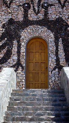 Flying Birds Door ~ Argentina #Door #Doors #Knocker #Architecture #Amazing