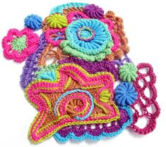 Amazing freeform crochet artist Prudence Mapstone contributes work to textile events. Join her by contributing a psychedelic freeform crochet flower to a group piece in Australia. Art Au Crochet, Crochet Puff Flower, Mode Crochet, Crochet Gratis, Crochet Motifs, Crochet Flower Patterns, Freeform Crochet, Irish Crochet, Crochet Flowers