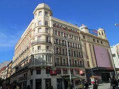 Plaza del Callao, Madrid by voces, via Flickr