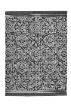 Patterned cotton rug: Large rug in a cotton weave with an all-over print on the…