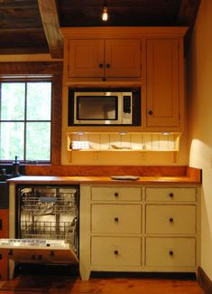 Central Kentucky Log Cabin Primitive Kitchen - traditional - - louisville - by The Workshops of David T. Smith