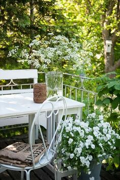 A tiny garden. That would work, right? With a tiny table to look out into the garden........