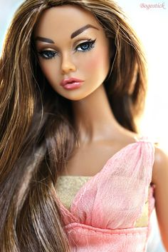 Irresistible in India Poppy Parker, definitely living up to her name.  Top: Mattel Reroot by SalvadorLA  -- thank you!!