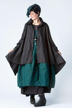 Kyoto Dress in Emerald Shibuya Carnaby | KALIYANA.COM Stylish Jackets, Eclectic Style, Cotton Lights, Shirt Designs, Ballet Skirt, Kyoto, Emerald, Elegant, My Style