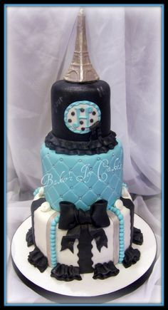 Love the middle tier and bow! <3 love the color choice but i would have my blue more of an aqua color! <3