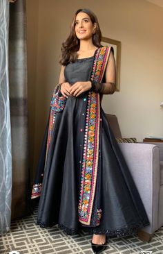Iqra Aziz looks adorable in this pretty black trending pishwas paired up with a colourful dupatta. Outfit by Pakistani Frocks, Asian Wedding Dress Pakistani, Pakistani Dress Design, Pakistani Outfits, Pakistani Clothing, Pakistani Actress, Pakistani Models, Indian Bridal, Bollywood Actress