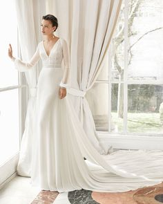 Wedding Dress MARZO by Rosa Clará - Search our photo gallery for pictures of wedding dresses by Rosa Clará. Find the perfect dress with recent Rosa Clará photos. Stunning Wedding Dresses, Wedding Dresses Photos, Wedding Dress Trends, Perfect Wedding Dress, Bridal Dresses, Wedding Gowns, Event Dresses, Lace Wedding, Long Sleeve Wedding