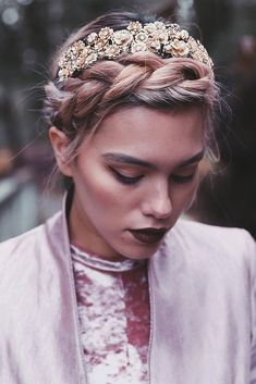 The most beautiful short hairstyles that are just ideal for a Christmas party.