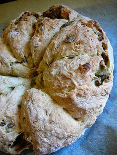 Receptműves: Olívás, fűszeres ausztrál kenyér I. (tej- és élesz... Ring Cake, Tej, Ciabatta, Scones, Buns