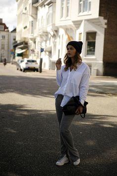 Fashion Zen fashionzen zara bell bottom trousers oversized white shirt blouse adidas stan smith celine streetstyle