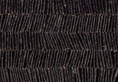 200枚を超える海苔巻きあられが 缶の中に整然と並ぶ漆黒のギフト!|みっちり詰まったぎゅうぎゅう土産|CREA WEB(クレア ウェブ)