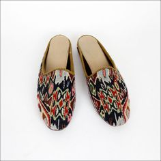 kilim slippers 9 / magic carpet flats by OmniaVTG on Etsy