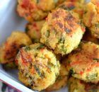 Feta, Red Pepper and Spinach Quinoa Balls (little kid friendly recipes) I Love Food, Good Food, Yummy Food, Quinoa Balls, Baby Food Recipes, Cooking Recipes, Healthy Snacks, Healthy Eating, Vegetarian Recipes