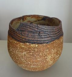 Ceramic vessel by Jasmina Ajzenkol