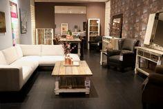 Op zoek naar landelijke en klassieke meubelen voor in je woning? Kom dan langs bij Meek's Meubelen in Vorden! Couch, Bed, Furniture, Home Decor, Settee, Decoration Home, Stream Bed, Room Decor, Sofas