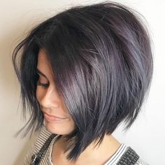 25 Short Hairstyles: The Best Short Haircuts Of The Best Short Haircuts Of 2020 Currently, super stylish women do not choose haircuts such as bob or pixie. Of course, these hairstyles are fashionabl. Latest Short Haircuts, Inverted Bob Haircuts, Short Hairstyles For Thick Hair, Cute Short Haircuts, Medium Bob Hairstyles, Curly Hair Styles, Pixie Hairstyles, Wedding Hairstyles, Short Hair Cuts For Women Bob