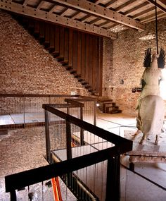 Castelvecchio Museum is a museum in Verona, northern Italy, located in the eponymous medieval castle. Restoration by the architect Carlo Scarpa,. Modern Stair Railing, Stair Railing Design, Modern Stairs, Railings, Carlo Scarpa, Architecture Old, Architecture Details, Interior Stairs, Stairway To Heaven
