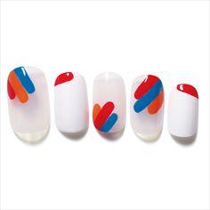 ほんのりエスニック風味なスリーラインネイル│Vol.18 カラーブロッキング・ネイルの新しいかたち│SPUR.JP Abstract Nail Art, Transparent Nails, Feet Nails, Luxury Nails, Pretty Nail Art, Nail Games, Nail Stamping, French Nails, Manicure And Pedicure