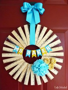 Wreath made of rulers to welcome back the school year.