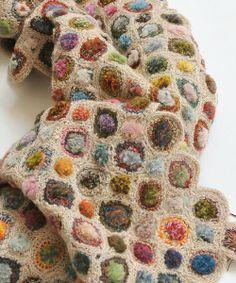 Sophie Digard crochet - Close Up - CONCENTRIQUE VERLOURS MINUS WOOL SCARF / BEIGE