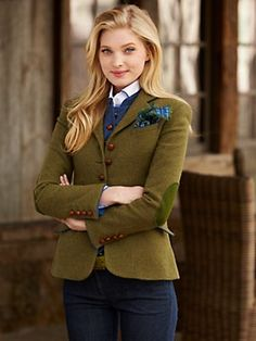 need for tweed love olive and blue - and love elbow patches - needs the print scarf I pinned earlier in olive Adrette Outfits, Style Outfits, Fall Outfits, Fashion Outfits, Women's Fashion, Looks Teen, Preppy Style, My Style, Mode Chanel