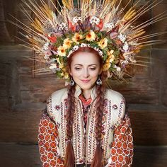 Beautiful Portraits of Modern Women Giving New Meaning to Traditional Ukrainian Crowns - My Modern Met