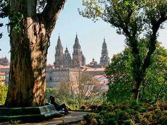 Parque de la Alameda y Paseo de la Herradura, Santiago de Compostela #Galicia #SienteGalicia #GaliciaCalidade ➡ Descubre más en http://www.sientegalicia.com/
