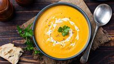 Reader's Recipe: Coconut Curry Pumpkin Soup Fall Soup Recipes, Pumpkin Recipes, Winter Recipes, Sweet Potato Leek Soup, Thai Carrot Soup, Soft Foods To Eat, Sopa Detox, Detox Soup, Butternut Squash Soup