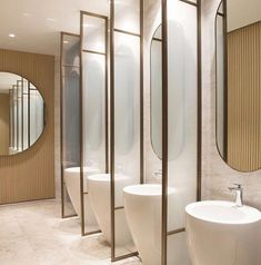 This restroom design consists of simpleness, practice, modernity, simplicity, modernity and also also luxury. All suggested for those who intend to fantasize in your home in the bathroom Steam Showers Bathroom, Bathroom Toilets, Small Bathroom, Master Bathroom, Bathroom Mirrors, Bathroom Cabinets, Bathroom Ideas, Bathroom Carpet, Bathroom Hardware