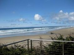 Waldport, OR: Oceanfront home with direct beach access for 10 guests! The Bunk House is ready for your family vacation, guys or gals getaway! 3 bedrooms (1 doubles ...